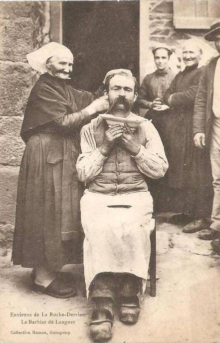 Carte Postale - Le Barbier de Langoat